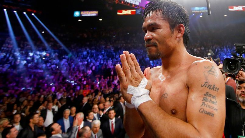 "After losing the "" fight of the century "" against Floyd Mayweather, Manny Pacquiao announced that he had to undergo surgery of the shoulder after injuring himself during his preparation ."