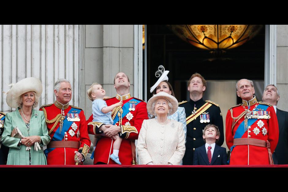 Le prince George a vole la vedette lorqs des celebrations de l anniversaire de la reine Elizabeth1