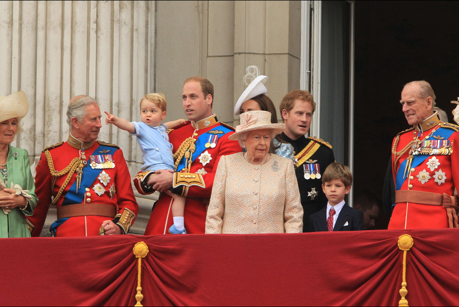 Le prince George a vole la vedette lors des celebrations d1e l anniversaire de la reine Elizabeth