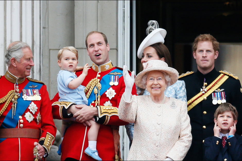 Le prince George a vole la vedette lors des celebrations de l anniver1saire de la reine Elizabeth1