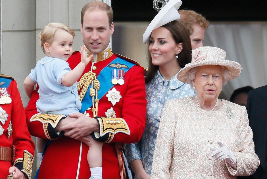 Le prince George a vole la vedette lors des celebrations de l anniversaire de 1la reine Elizabeth