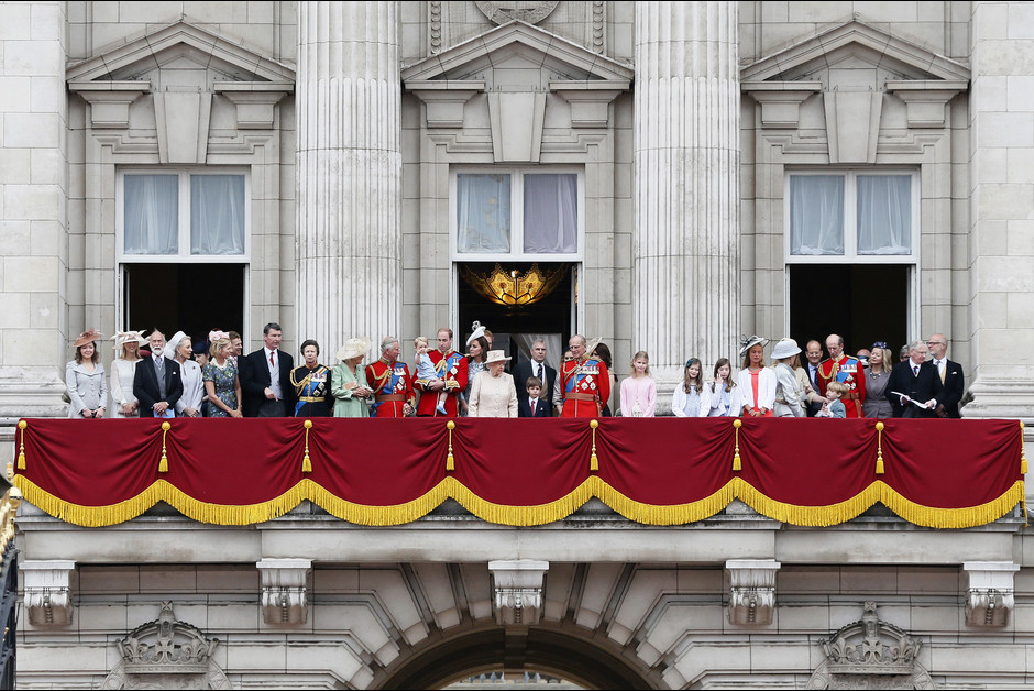 Le prince George a vole la vedette lors des celebrations de l anniversaire de la reine Elizabeth
