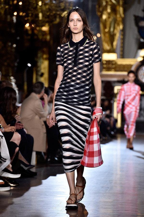 stella mccartney paris fashion week spring summer 2016 03 1 1b16t5h 1b16t6d