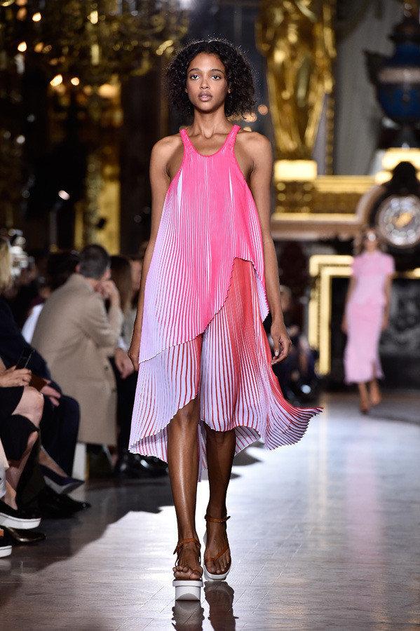 stella mccartney paris fashion week spring summer 2016 05 1 1b16t5h 1b16t6l