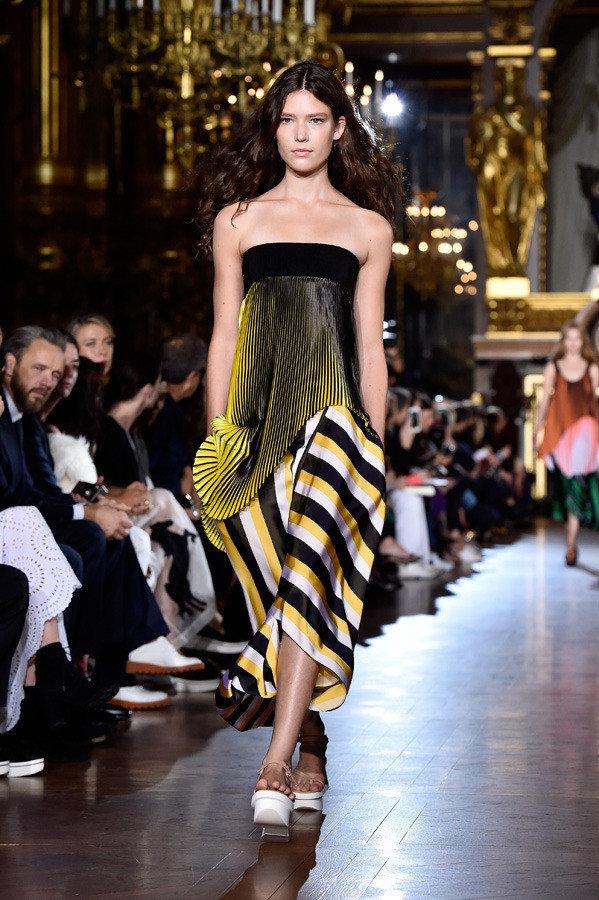 stella mccartney paris fashion week spring summer 2016 08 1 1b16t7k 1b16t7r