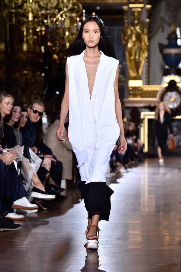 stella_mccartney_paris_fashion_week_spring_summer_2016_13_1b16t7k-1b16t88