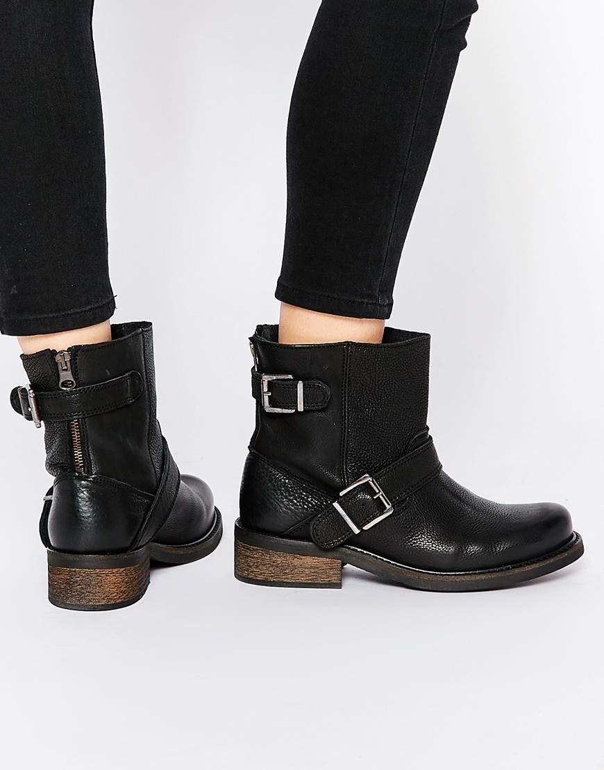 Vero Moda Sofia Leather Buckle Biker Boots